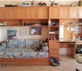 Foto в Мебель и интерьер Мебель для детей Диван-кровать, письменный стол, вверху антресоли, в Смоленске 15000