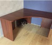 Foto в Мебель и интерьер Офисная мебель Продаю компьютерный стол с тумбочкой.Размер в Санкт-Петербурге 5000